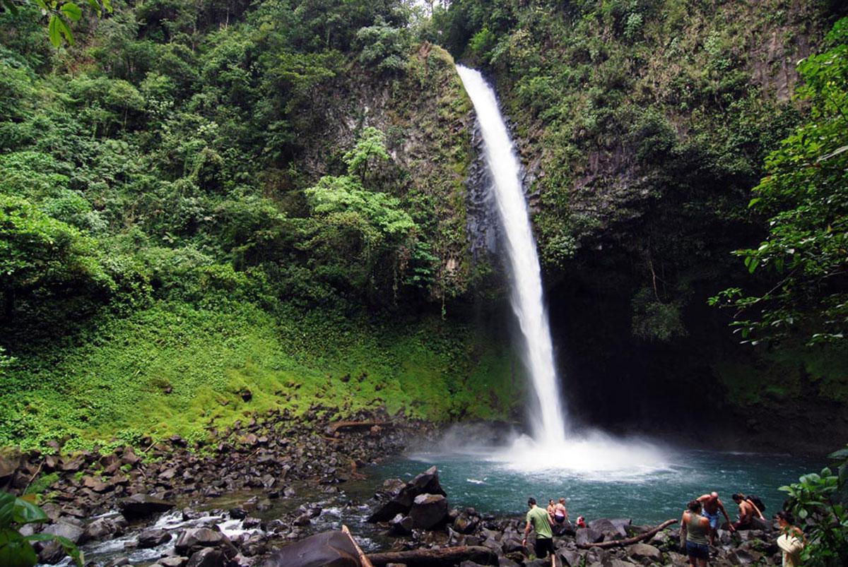 Catarata-la-fortuna-waterfall