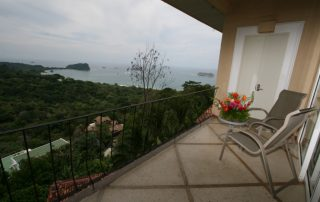 hotels-and-resorts-in-manuel-antonio-costa-rica