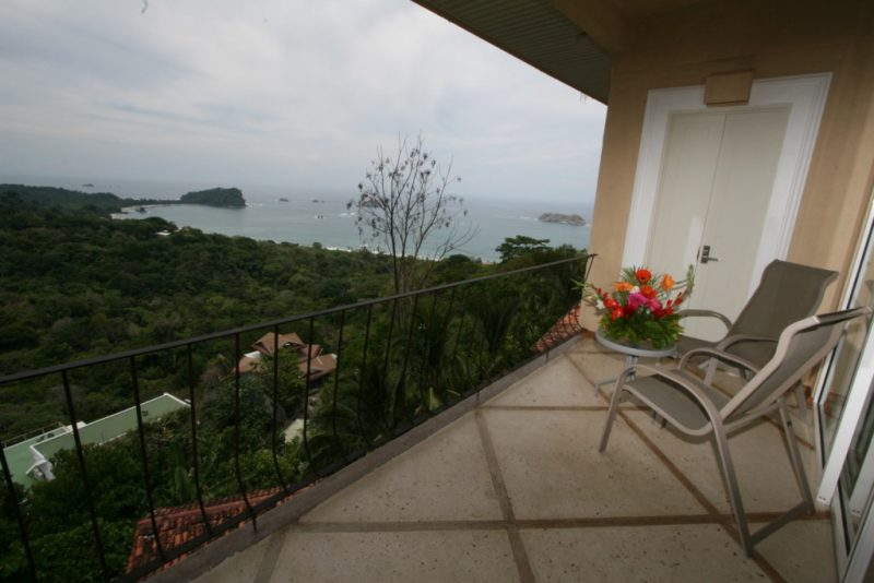 hotels-and-resorts-in-manuel-antonio-costa-rica