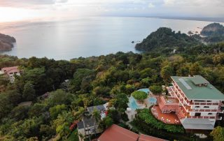 beach-hotel-near-manuel-antonio-national-park‎