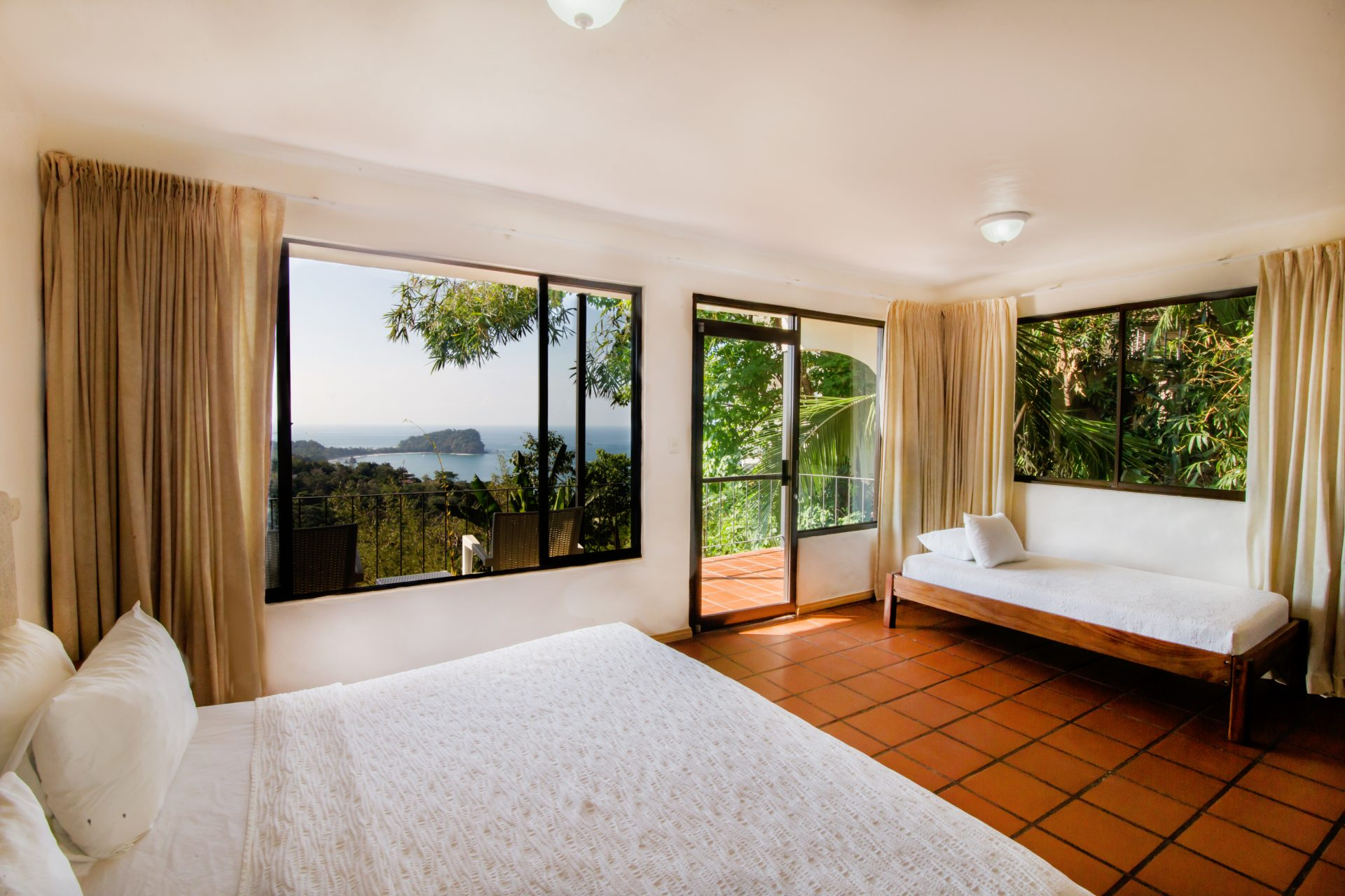 luxury-hotels-in-manuel-antonio