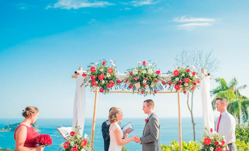 Manuel Antonio Wedding Planner Joselyn at La Mariposa Hotel