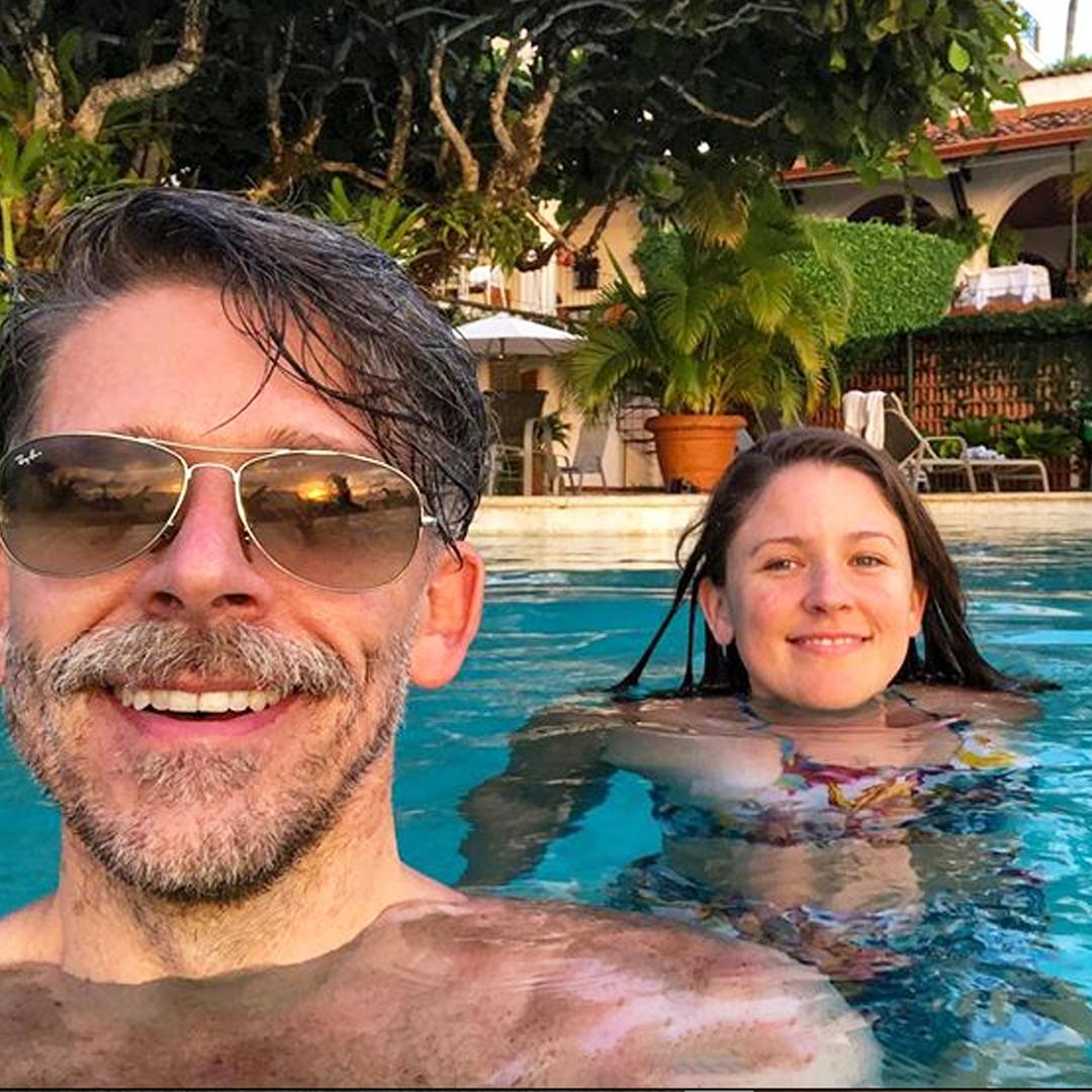 personas-piscina-martes-en-la-manana